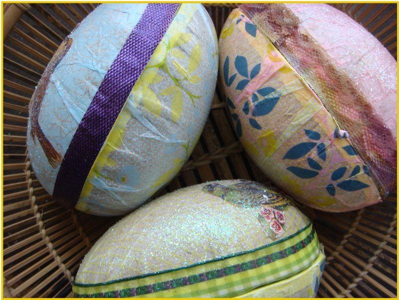 Årets påskehare æg vender siden til