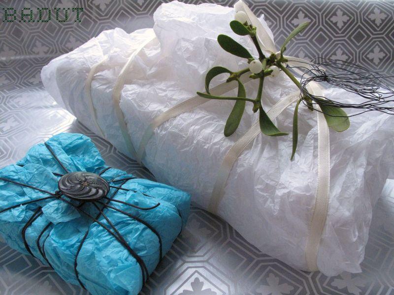 Gaver i krammet silkepapir