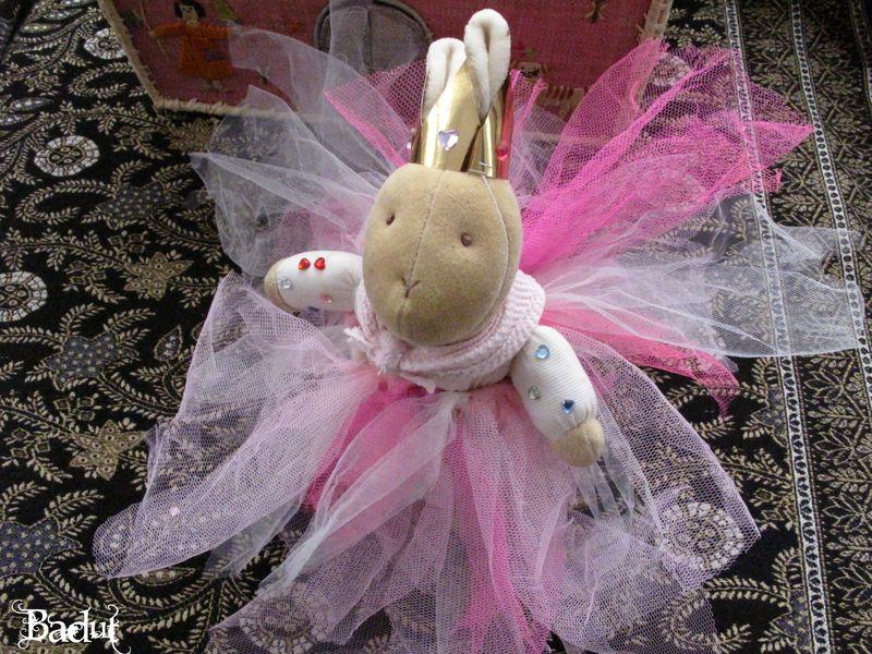 Kanin droning i tylskørt