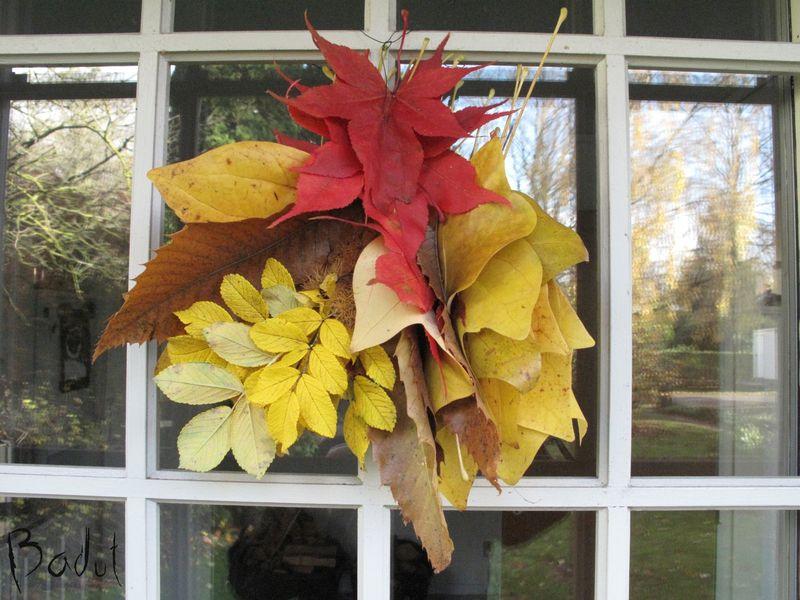 Dørdekoration af efterårsblade