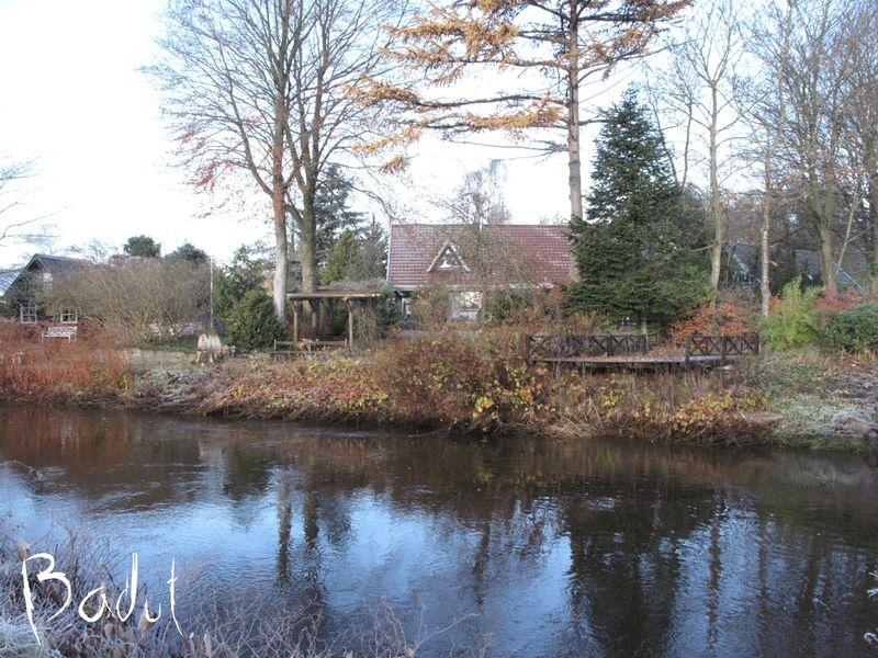 Huset ved åen fra siden