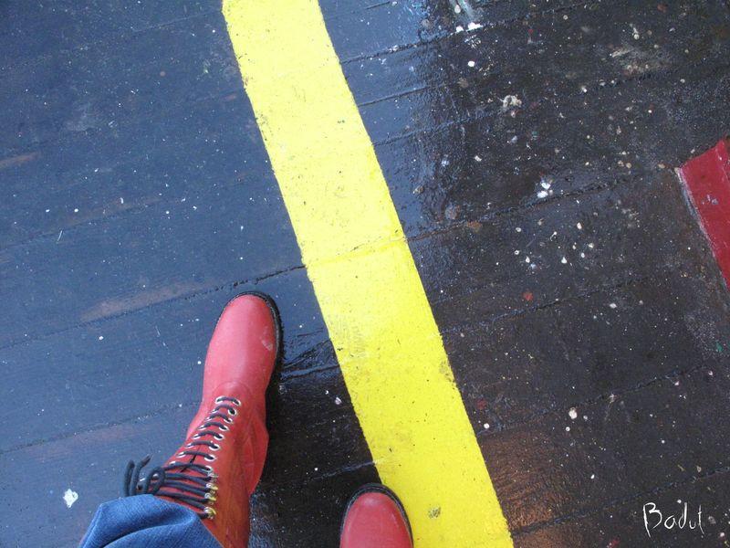Røde gummistøvle på