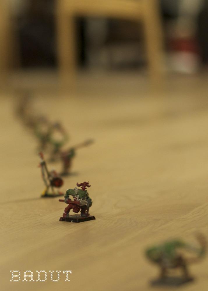 Warhammer hær gennem stuen, den frække drillenisse