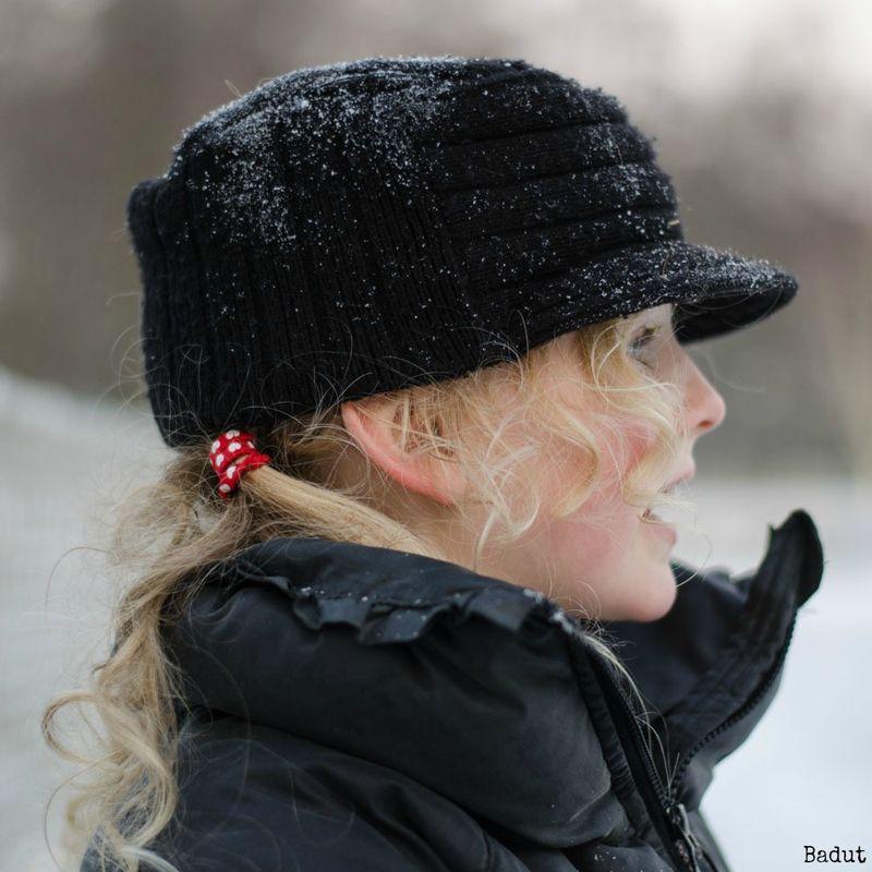 Anna med sne på hatten