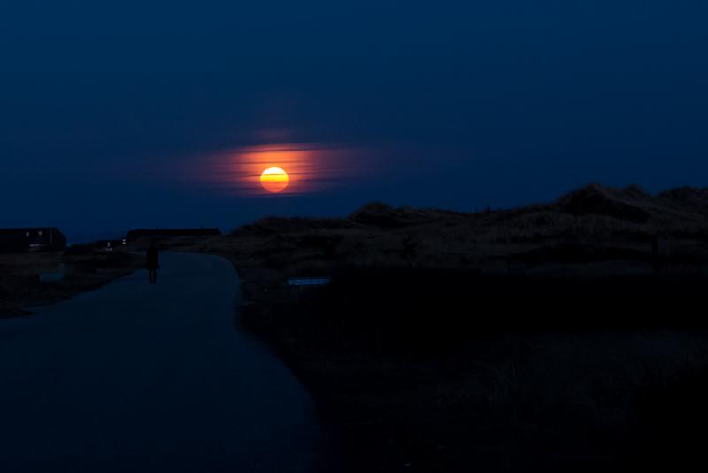 Fuldmåne ved Lyngvig fyr