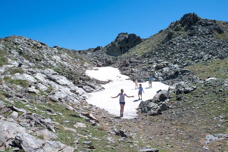 Vi slås med sne i Andorras sommer