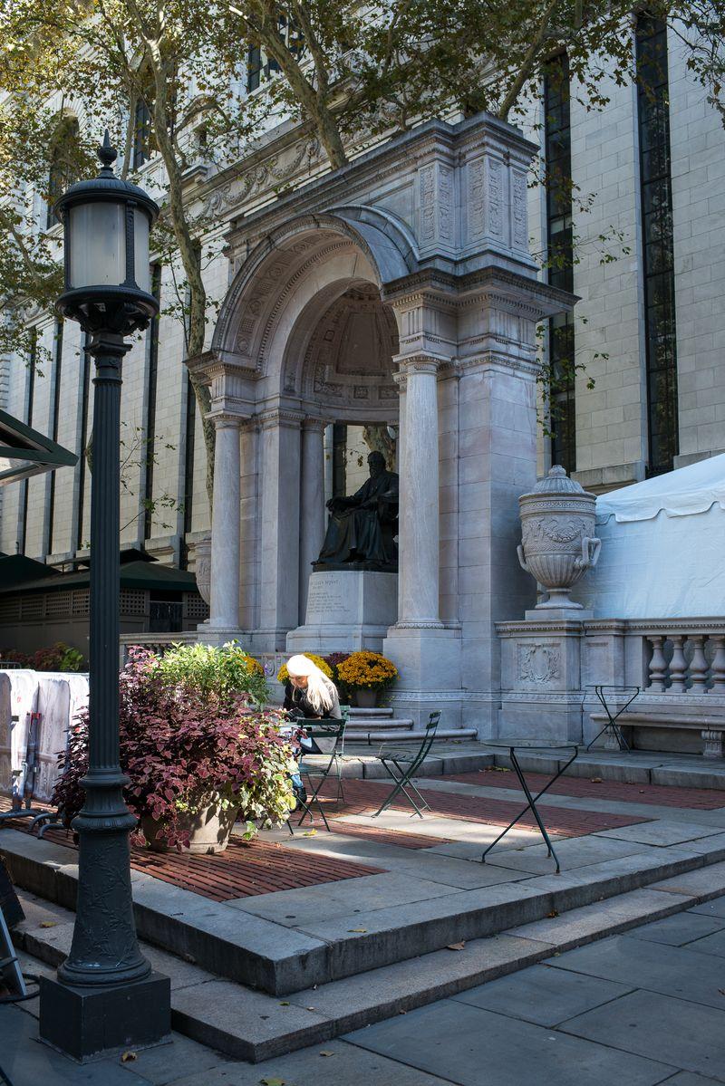 Bryant Park nabo til New York Public Library
