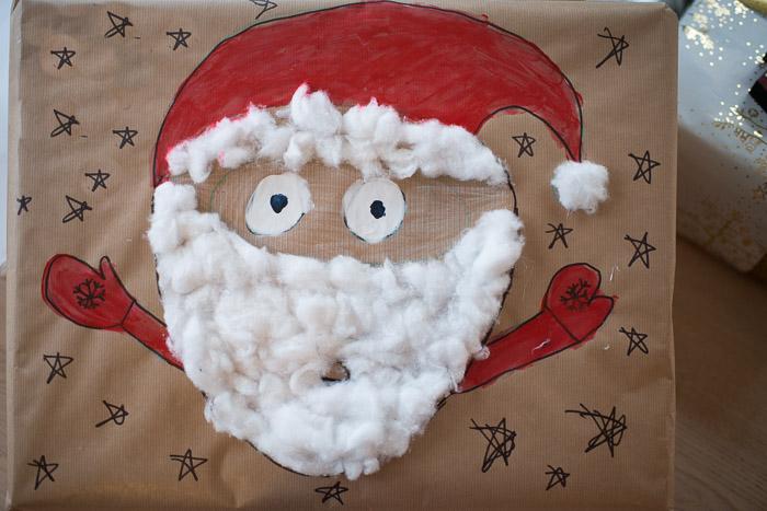 Kreativ gave indpakning med julemand
